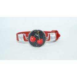 bracelet rouge et ses cerises