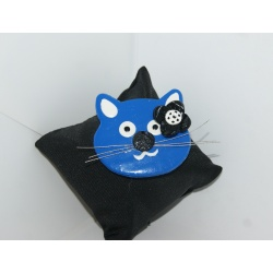 broche chat bleu