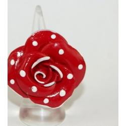 bague d artisan d art fleur rouge à pois