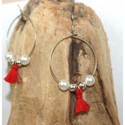 créoles pompon rouge et perles blanches