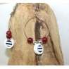 boucles d'oreilles créoles marin et perles rouges