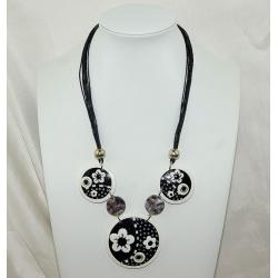 collier  épais   en polymère  noir blanc et mètal