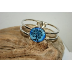 bracelet acier inoxydable et arbre de vie fond bleu